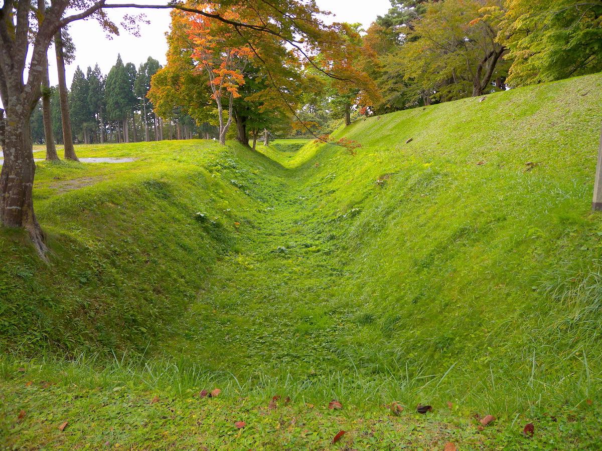 周囲には堀も巡らされた北斗市野崎の四稜郭