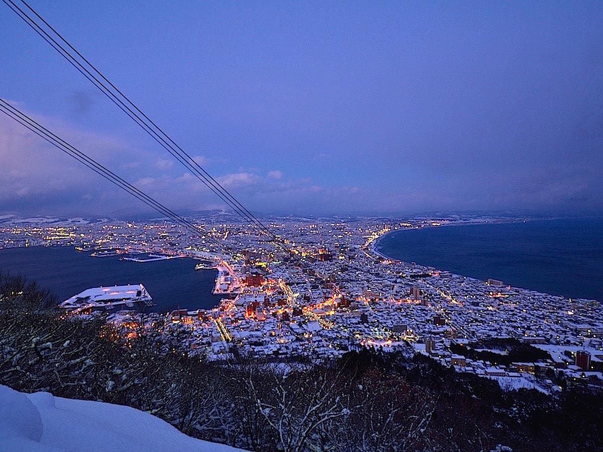ロープウェイなら冬の夜景鑑賞も手軽